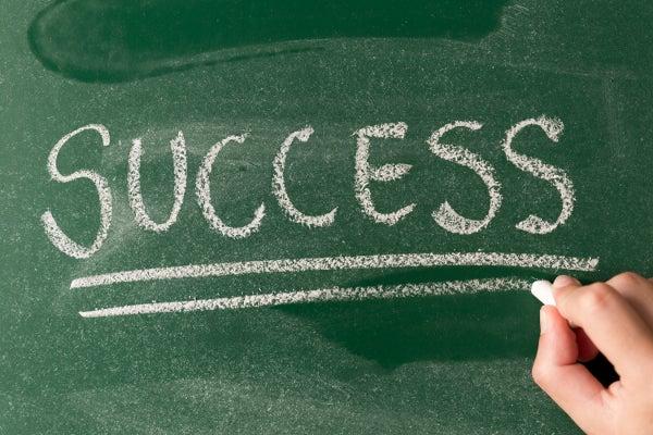 黒板に書かれたsuccess