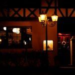 夜間も営業するレストラン