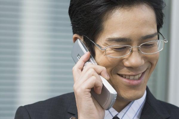 電話中のビジネスマン