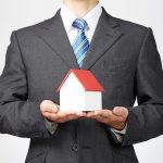 宅地建物取引士の男性