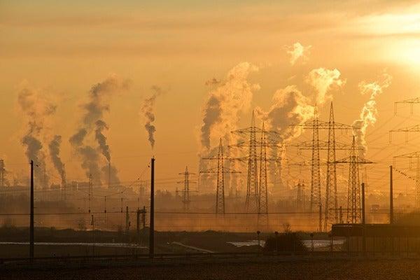 公害を発生させる工場