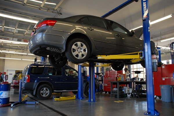 自動車修理会社