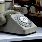 テレマーケティングが行われる顧客の電話