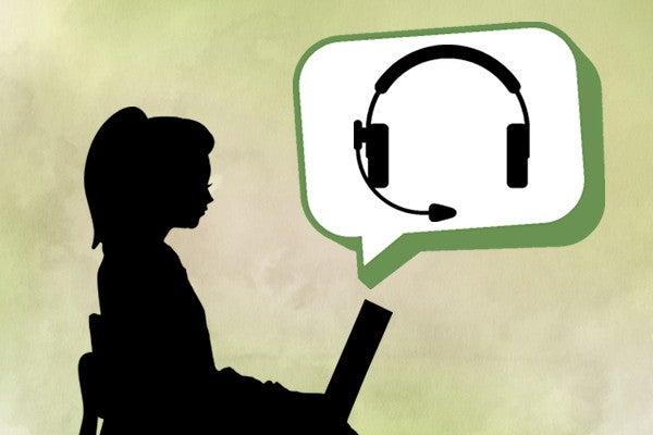 コールセンターの仕事を探す女性