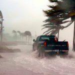 接近する台風