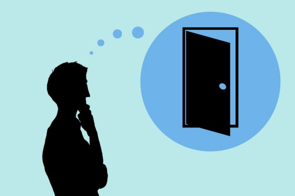 ドアの開け方マナーを考える人